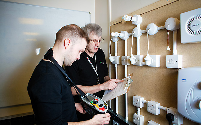 Essential Domestic Electrics & Fault Finding for Beginners